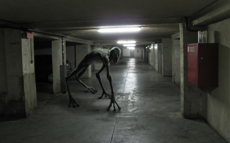 monsters-hallway_00259357.jpg